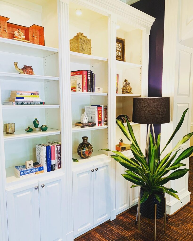 vintage reading nook area | Ruma's Indian Home in Texas | theKeybunch decor blog