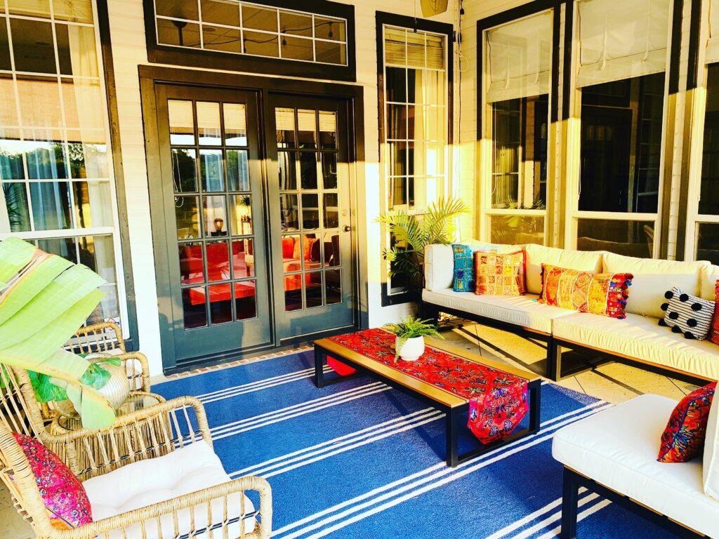 A backyard porch home refresh | Ruma's Indian Home in Texas | theKeybunch decor blog