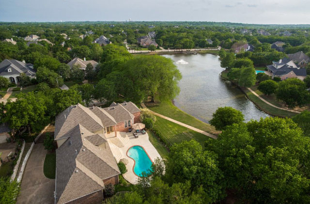 The aerial view of the house, and the pictures from the real estate listing! | Ruma's Indian Home in Texas | theKeybunch decor blog