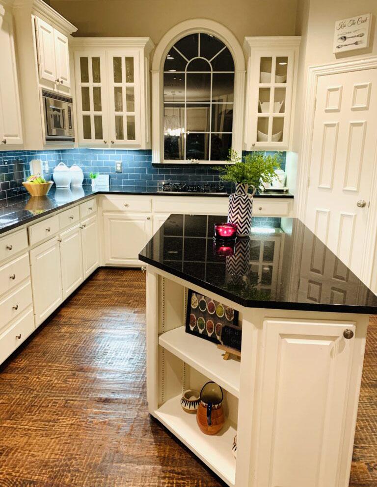 Elegant kitchen room | Ruma's Indian Home in Texas | theKeybunch decor blog