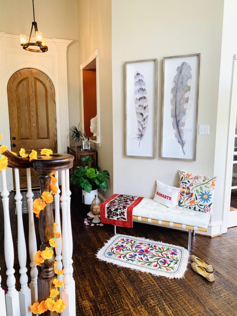 Entryway decor | Ruma's Indian Home in Texas | theKeybunch decor blog