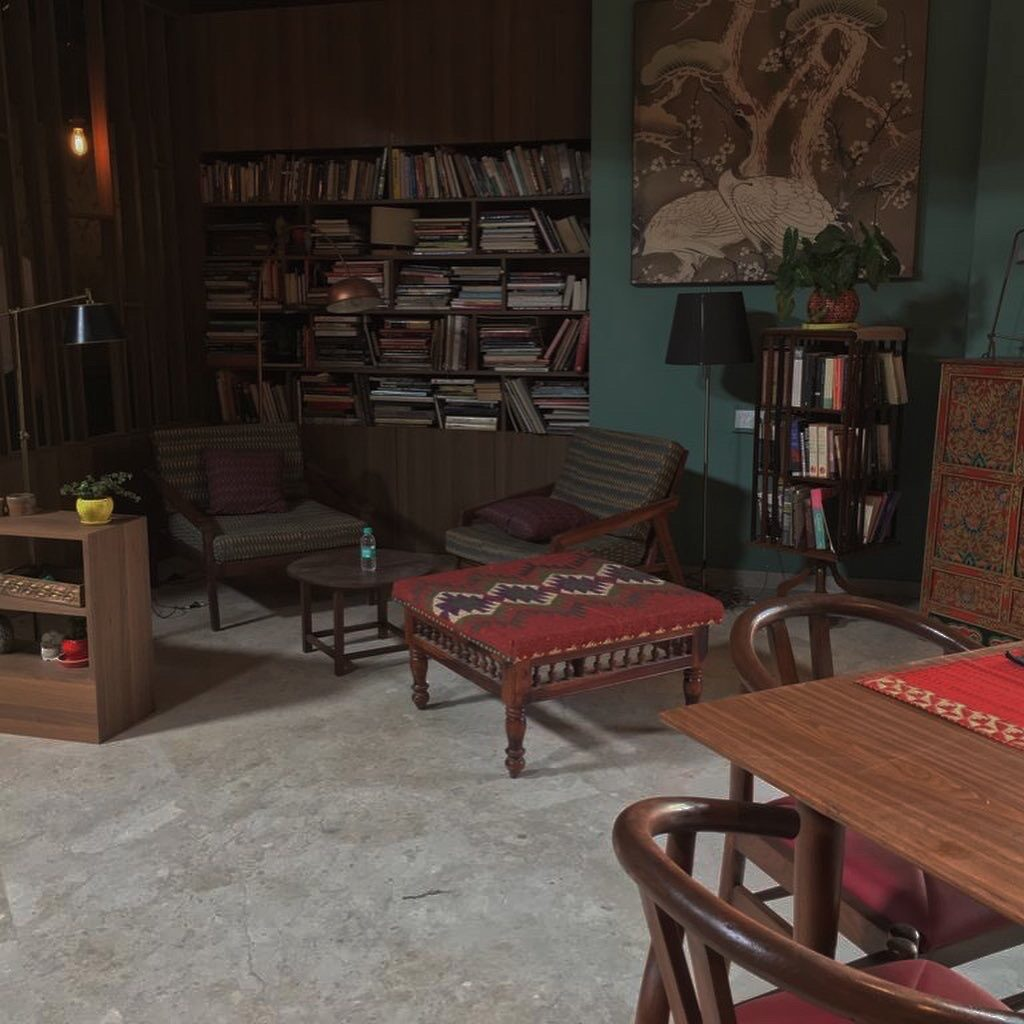 well-decorated reading room that felt authentic and real - 'Sir' Indian Movie set | theKeybunch decor blog