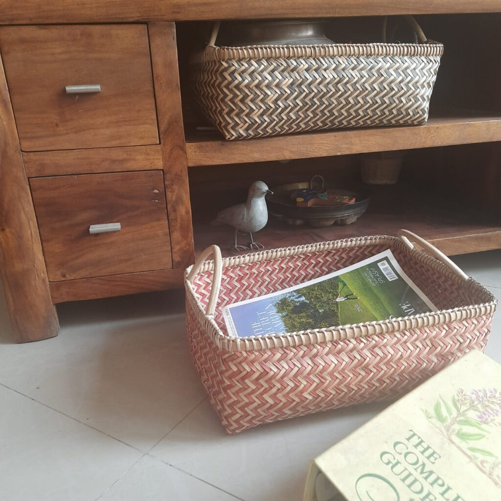 Baskets are both ubiquitous and multifunctional, it can be used in the living room, kitchen, bathroom or bedroom | A case for Baskets | TheKeybunch decor blog