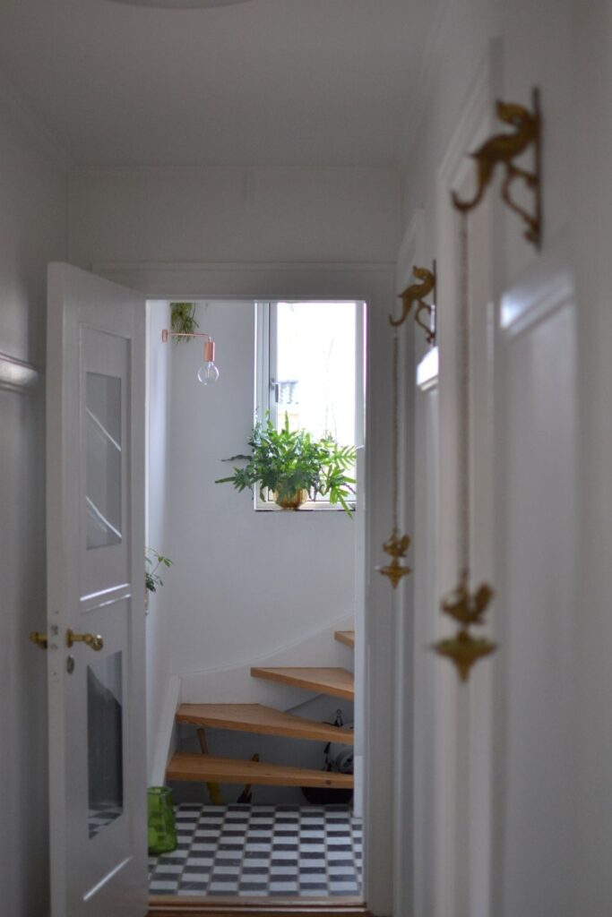 The combination of whites and gold | Naina's Scandi-Minimalist Home with Indian Accents