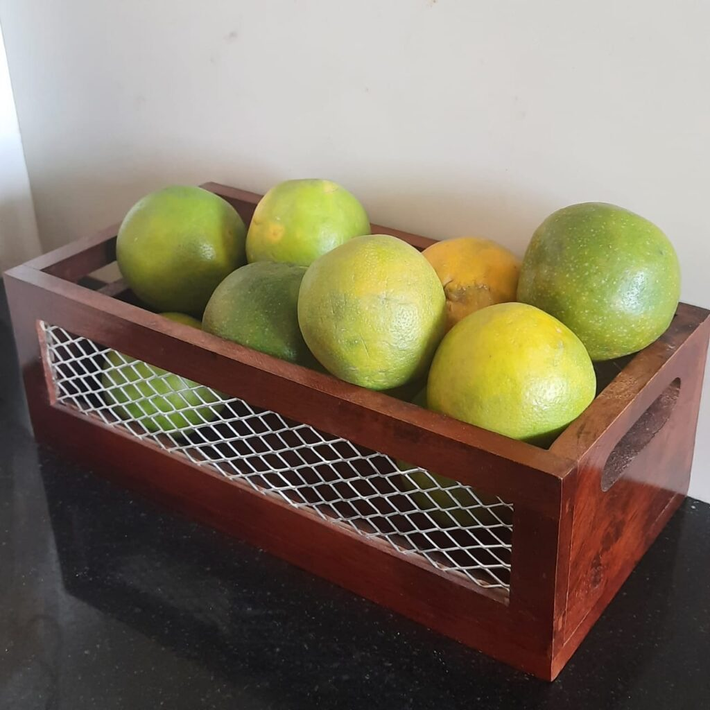 Wood and net storage basket is a great product for kitchen produce, bookshelves, bedroom shelves or home office essentials | A case for Baskets | TheKeybunch decor blog