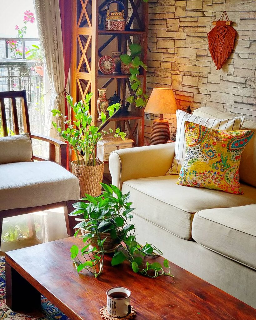 Decorate with a touch of yellow during the pandemic | warm and comfortable space of living room