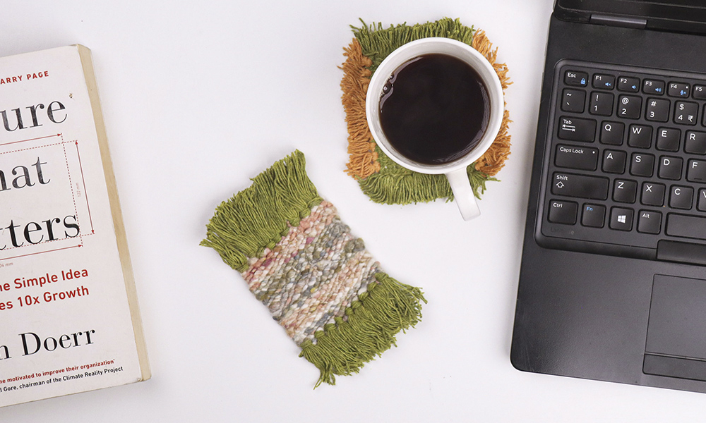 2 DIy coasters in an office setting | 6 Tapestry DIYs on Muezart's home-use loom