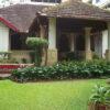 The beautiful manicured garden   Belmont House in Mangalore, India   TheKeybunch decor blog