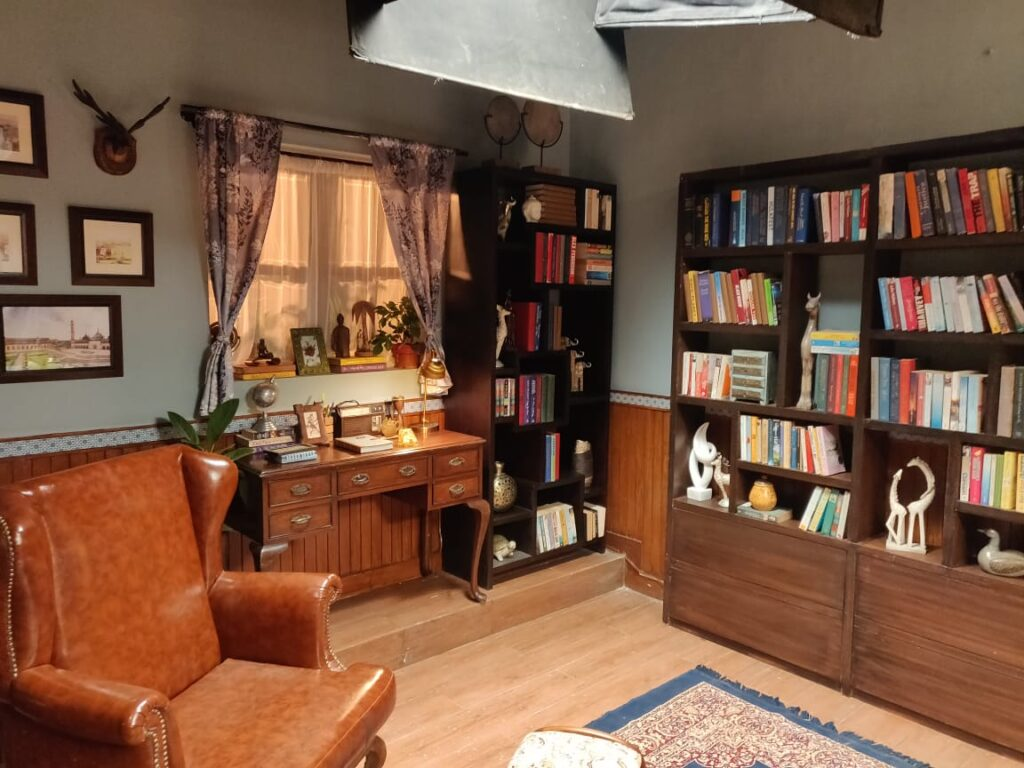 Villa Rashmi - A Heritage Gem in Mumbai   Vintage books on wooden shelf at the reading room   TheKeybunch decor blog