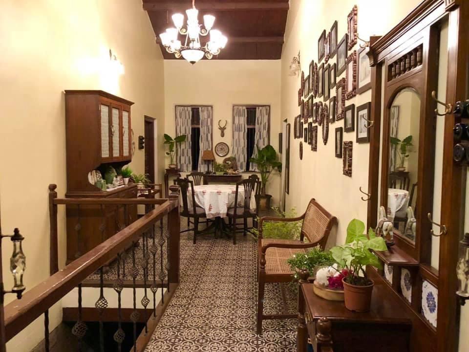 Villa Rashmi - A Heritage Gem in Mumbai   Villa Rashmi's room with wood decor   TheKeybunch decor blog
