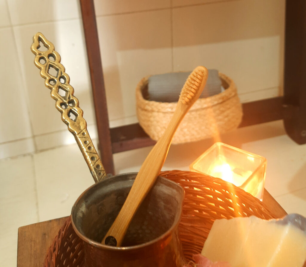 6 Lovely Sustainable Alternatives in the Bathroom  Bamboo Toothbrushes are organic and also easy to dispose   Alternatives to Plastic in the Bathroom