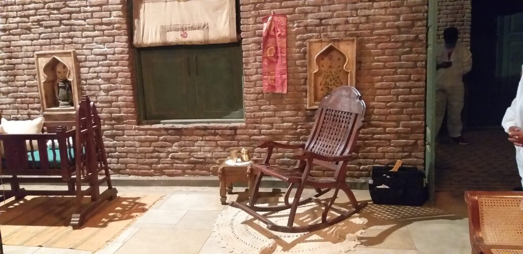 Lahore house in the movie Sardar Ka Grandson   The complete look of the set
