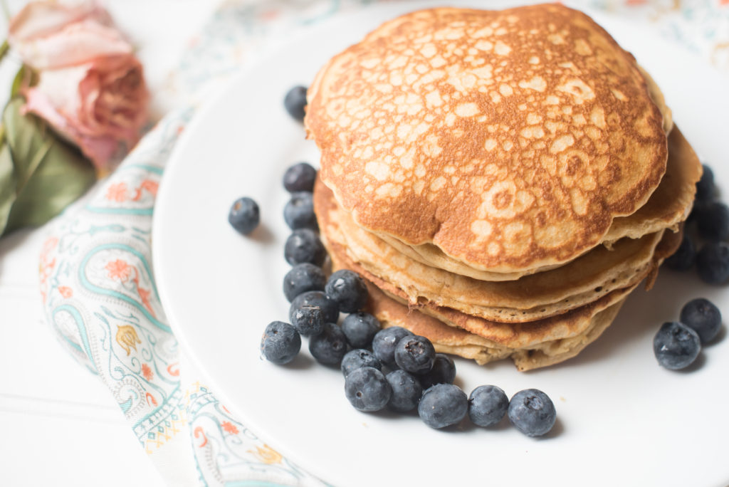 Healthy Whole Wheat Pancakes made in the Blender. This recipes will eliminate the hassle of dirty dishes and mixing bowls. Try these easy, 5 minute pancakes today!