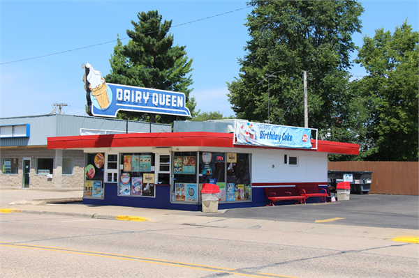 1954 Dairy Queen with original neon sign