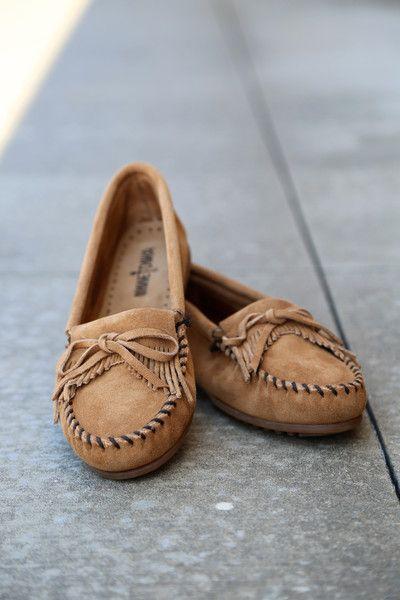 bow design moccasins shoes