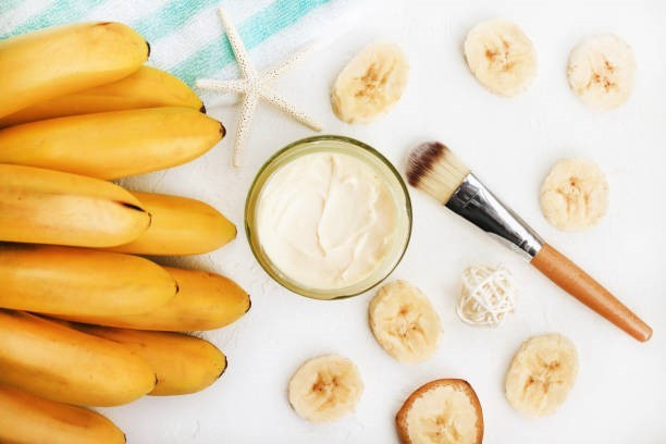 Perfect DIY banana mask for winters