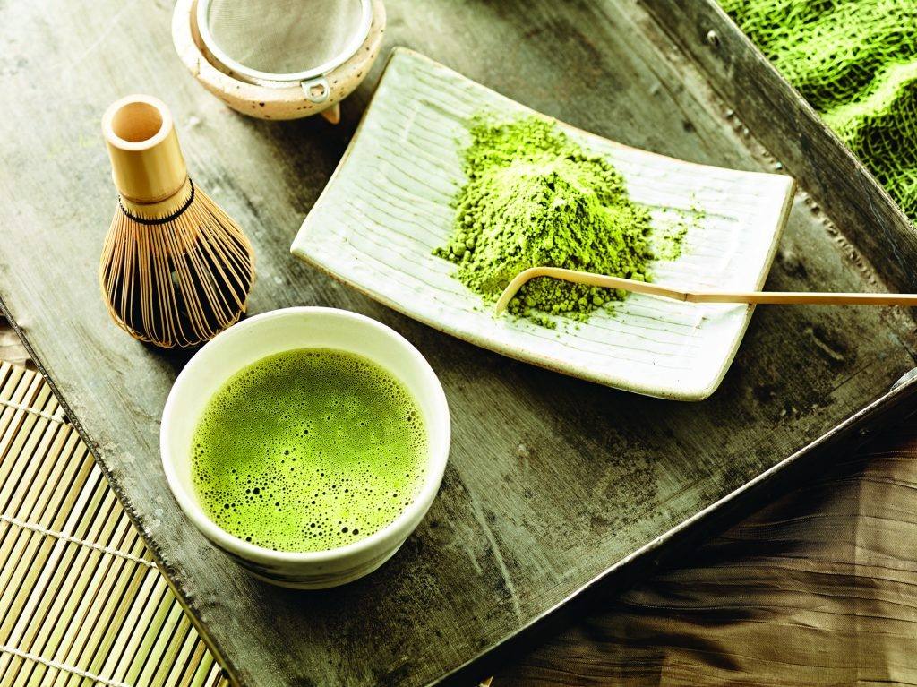 How to make a green tea mask for radiant skin
