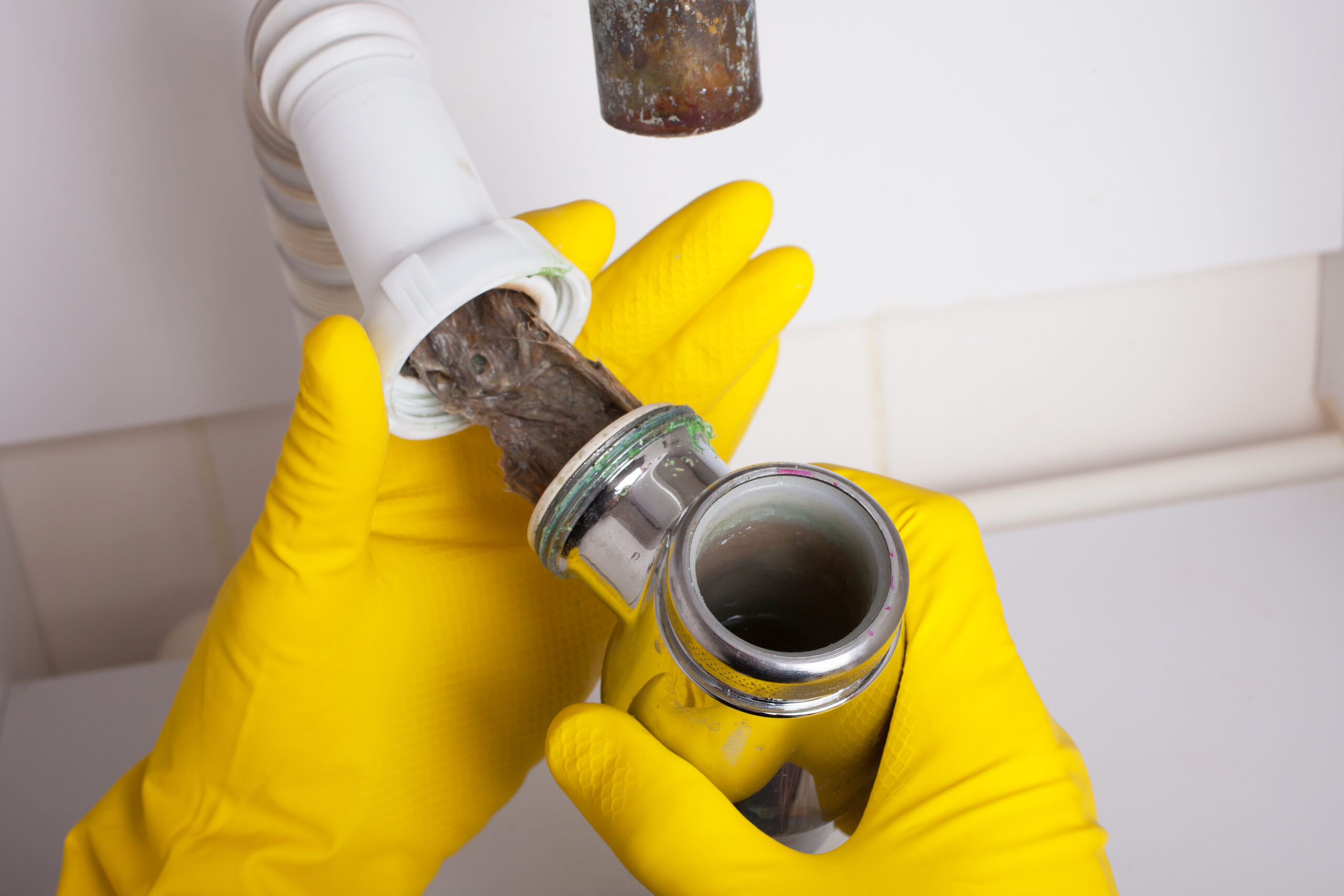 6 Reasons to Have a Plumber Do Drain Cleaning