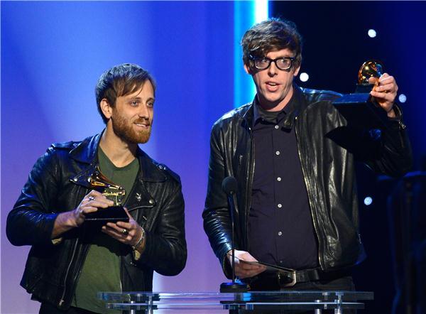 LonelyBoy En iyi Rock Performansı ödülünü aldı
