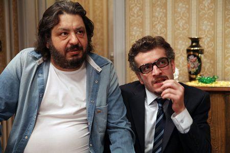 Üsküdara Gideriken Dizisinde Murat Cemcir Erdal Tosun ile Beraber