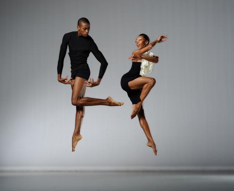Akbank Sanat'ta dansçılar sahne alıyor
