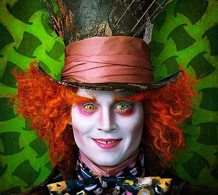 """Johnny Depp bir kez daha """"Mad Hatter"""" rolüyle gelecek"""