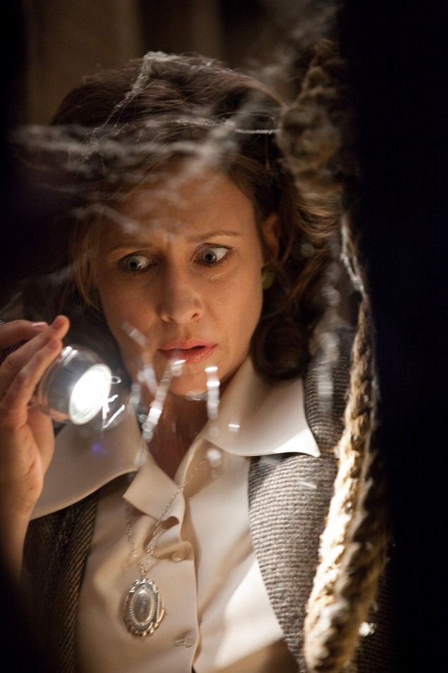 The-Conjuring-Korku-Seansi-film-movie-Vera-Farmiga