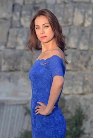 İnadına Yaşamak - Sanem Çelik Mavi Elbise - Pınar Ay Tasarımı