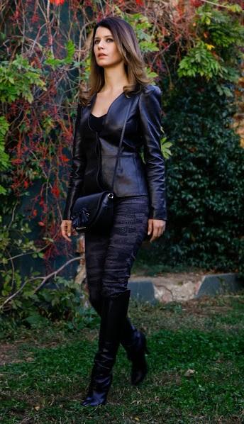 İntikam Kıyafetleri - Yağmur ( Beren Saat ) Deri Ceketi Gucci