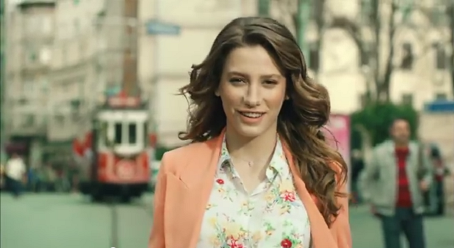 Serenay Sarıkaya İle Elidor Reklamı