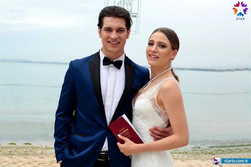 Medcezir Düğün Kıyafetleri