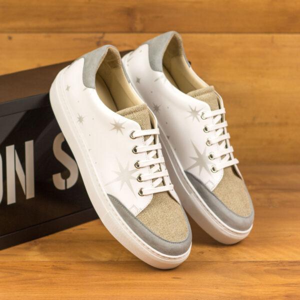 Sport tennis shoes