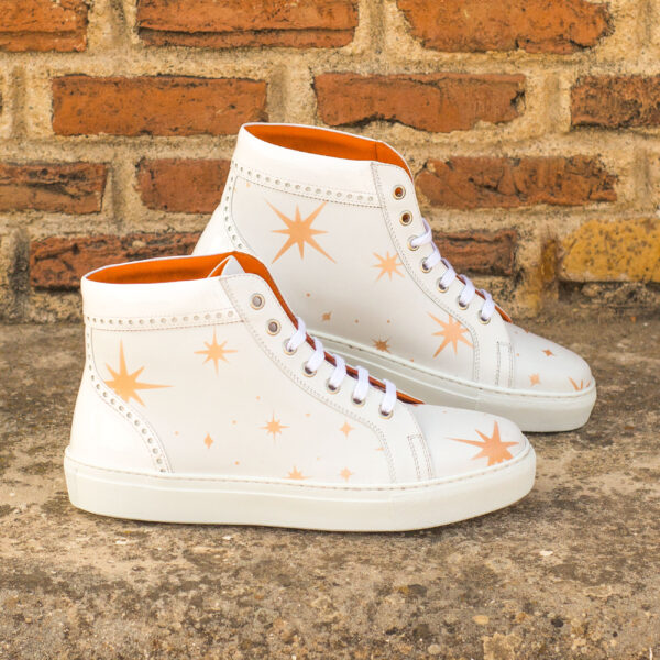 High Top Woman white shoes