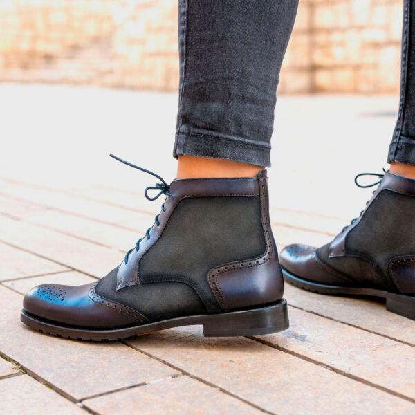 Women Lace Up Brogue Boot