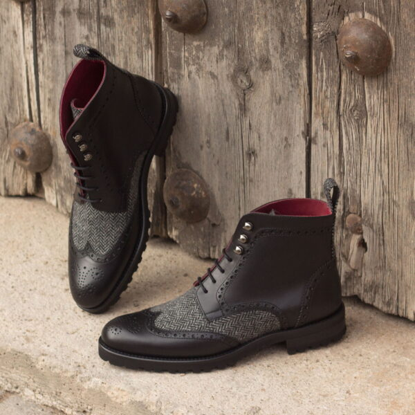 Military Brogue boot with