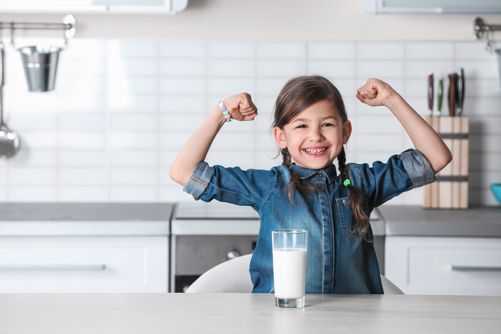 Whole Milk Keeps Kids From Getting Fat Says a Review of 28 Studies