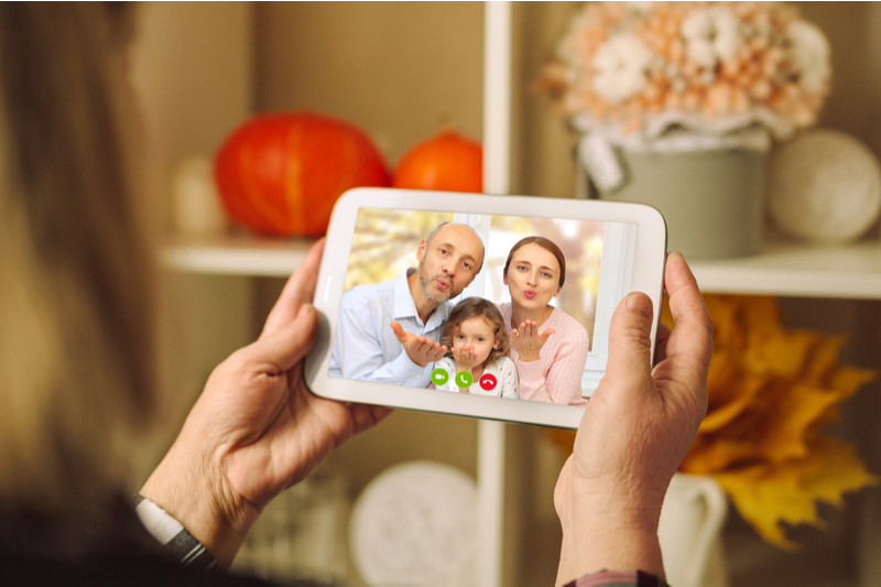 Holiday visits 2020: Virtual visit to grandparents from children and grandchildren