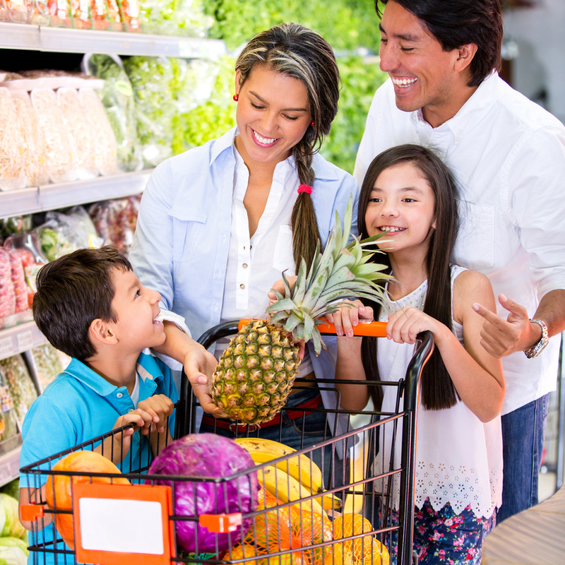 family shops for healthy food