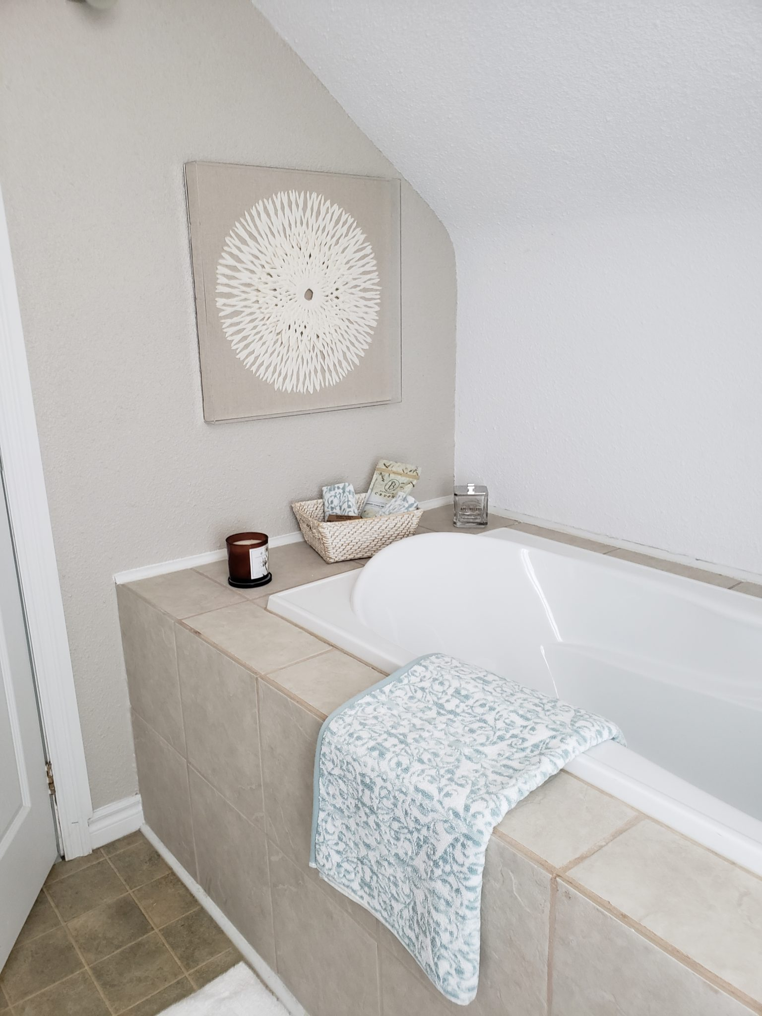 Bath area back - After