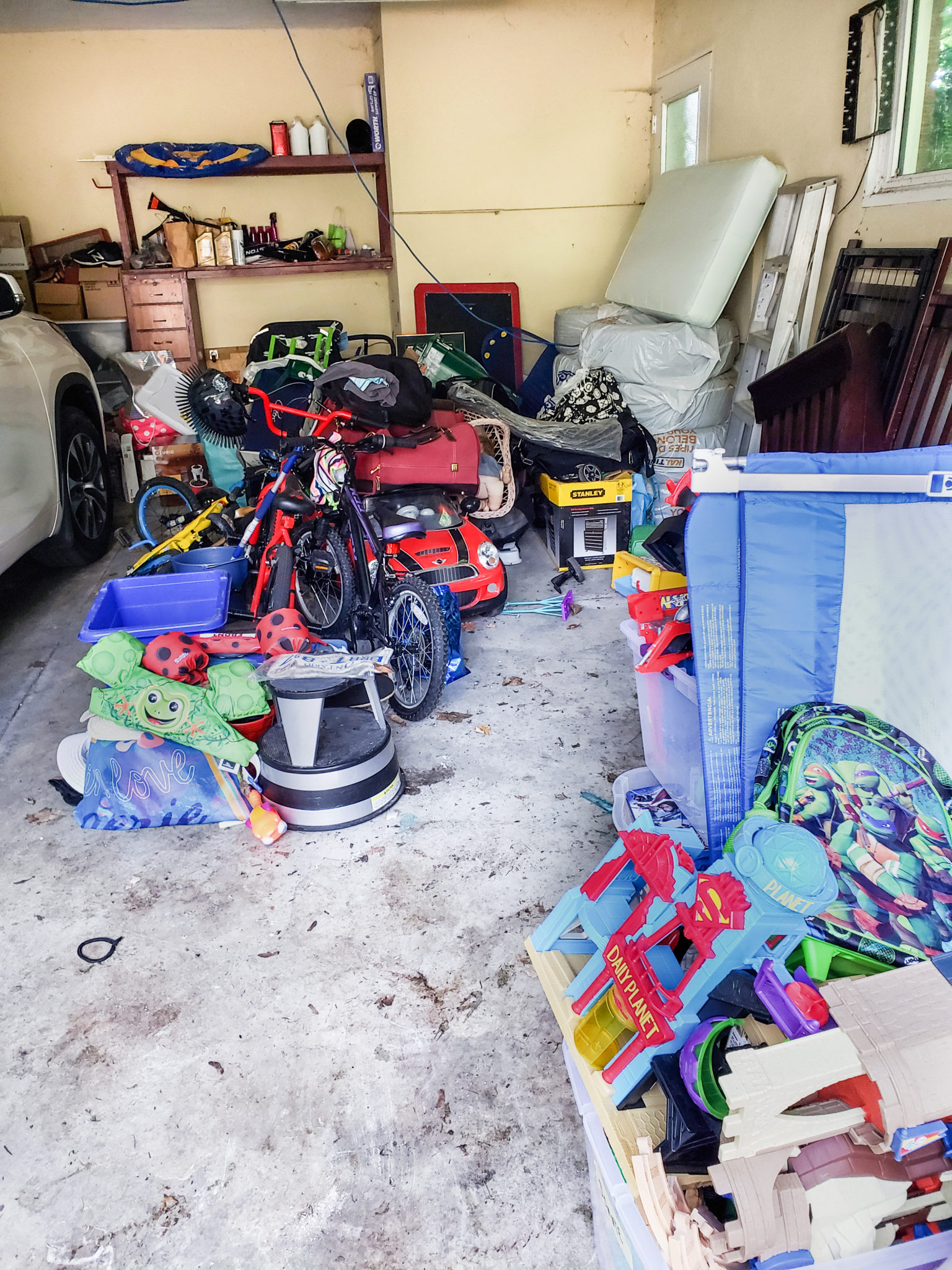 Garage area - Before