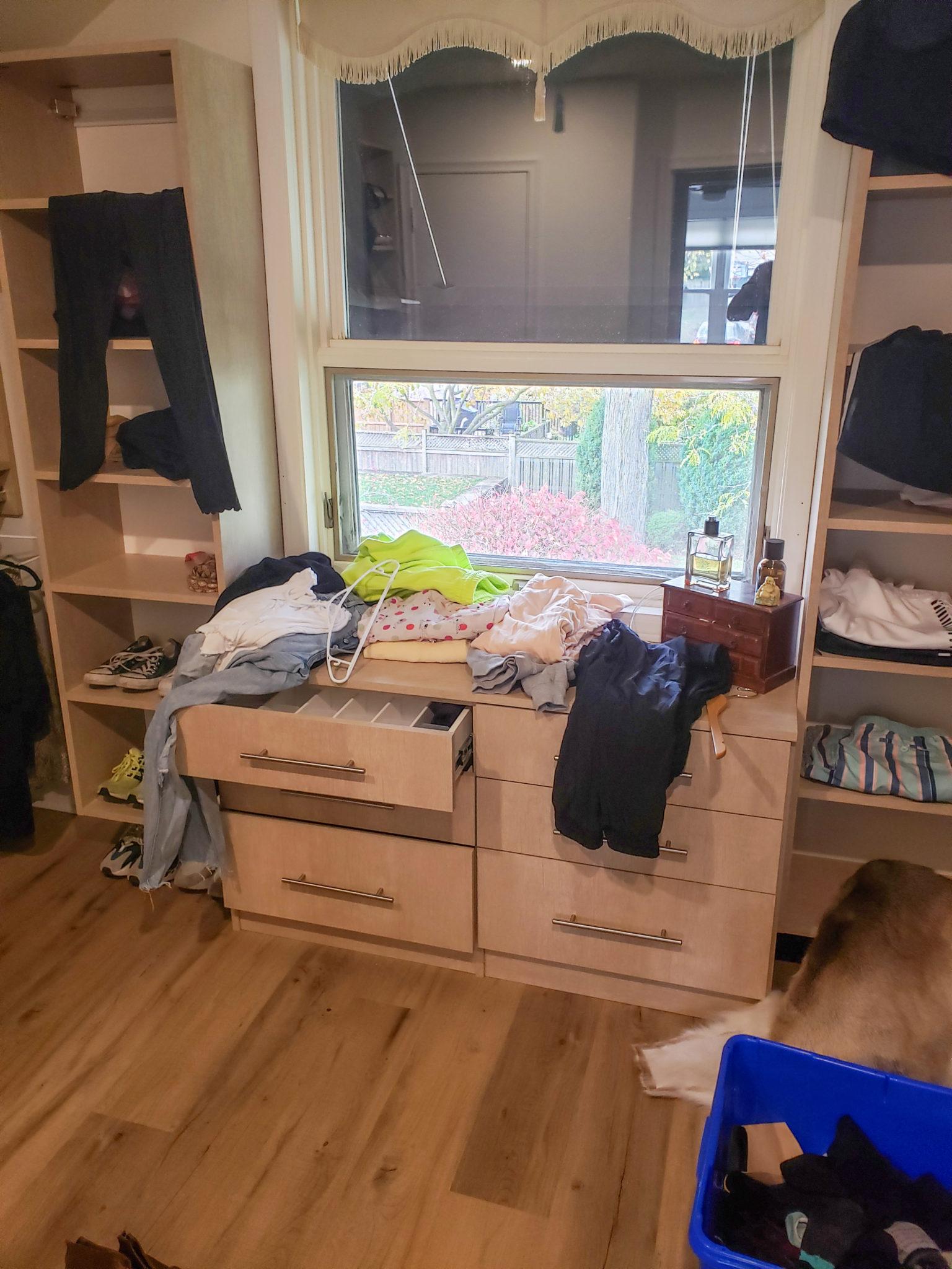 Walk in closet - Before