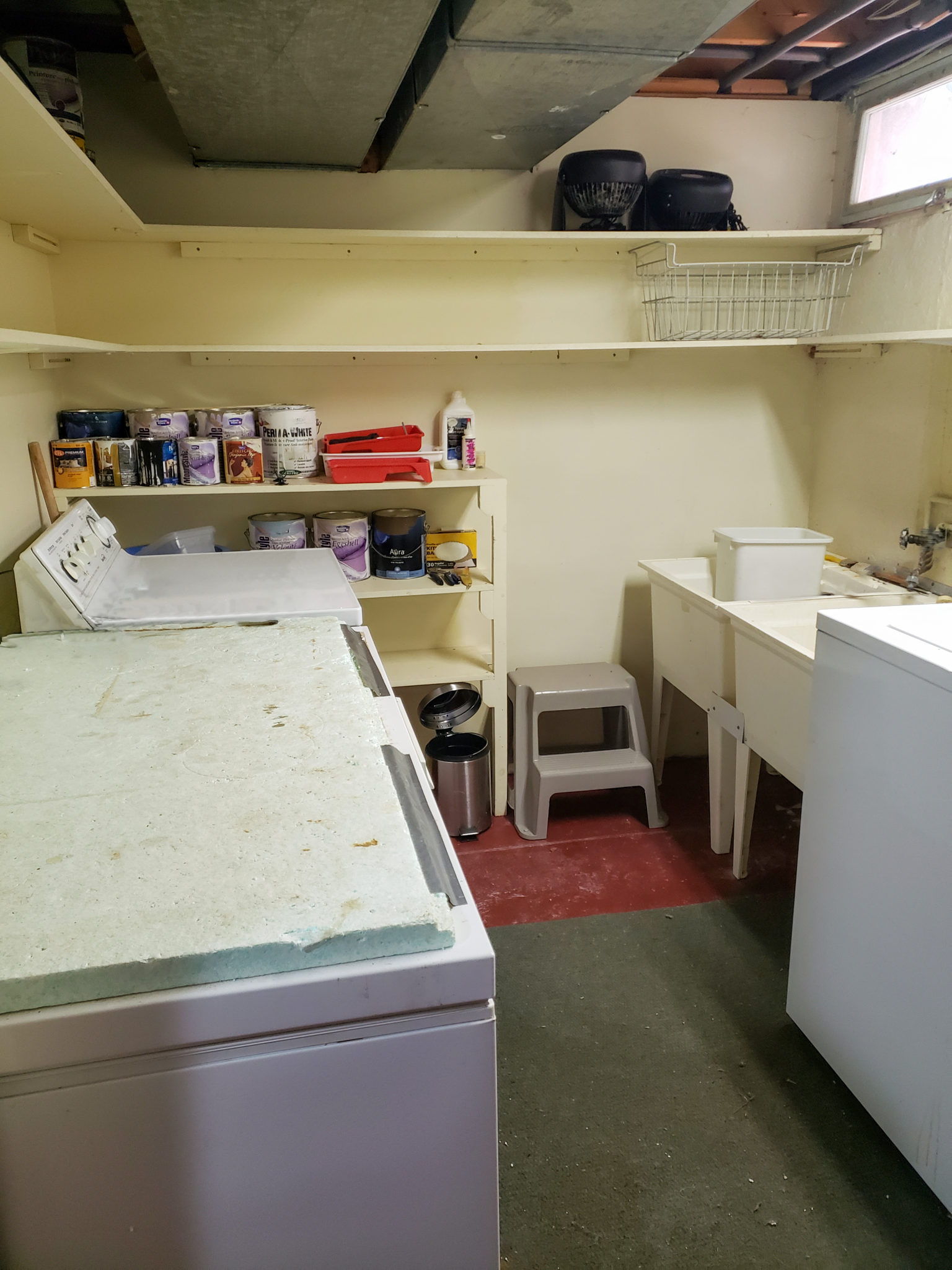 Laundry area - After