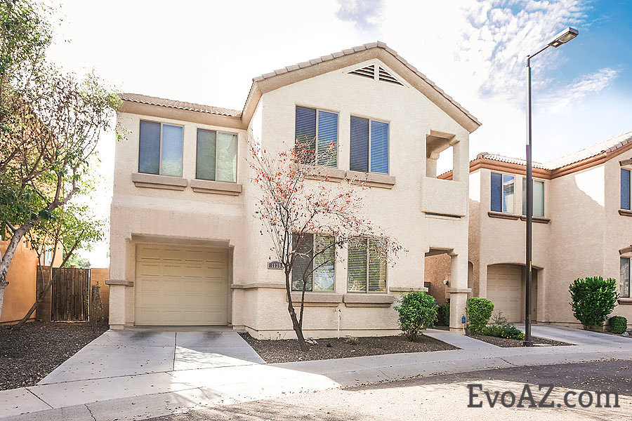 Great location close to the Cubs spring training stadium and Riverview Park with fishing lake! - ...close to the light rail and up and coming Downtown Mesa PLUS equal distance to the 202 OR the 60! Granite counters, tile in all the right places and low maintenance back yard make this a dream to own for any busy family. The square footage in this home is very well used with spacious 1st level. Kitchen is open to the family room / dining area with separate living room. 2nd floor boasts split floor plan with 4 bedrooms and quaint balcony off larger guest bedroom. Quick close available!