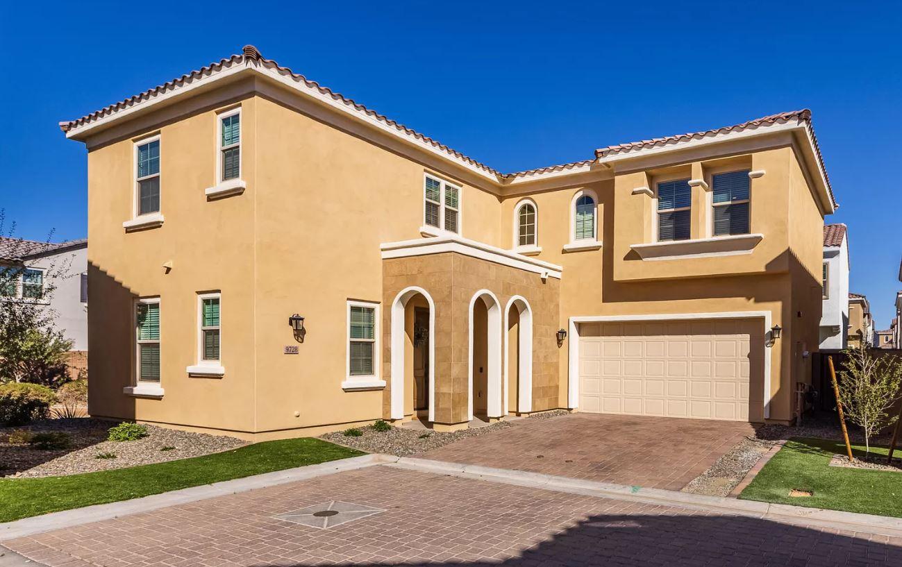 9728 E Twinkle Ave, Mesa, AZ 85212
