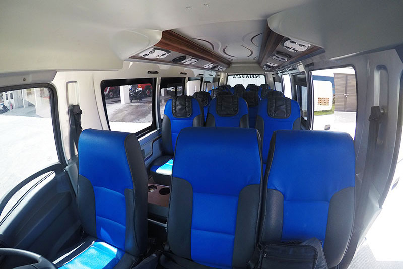 Bali Safest Driver Isuzu Long Elf 19 Seat