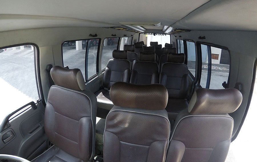 Bali Safest Driver Isuzu Elf 13 Seat