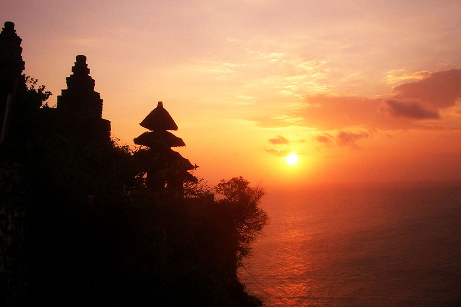 Uluwatu Temple Bali Private Tour for Sunset Lovers