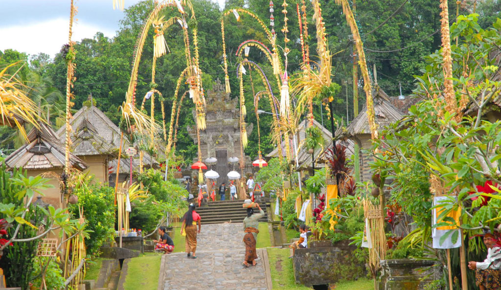 Let's Visit Bali Private Tour to Clean and Tidy Village