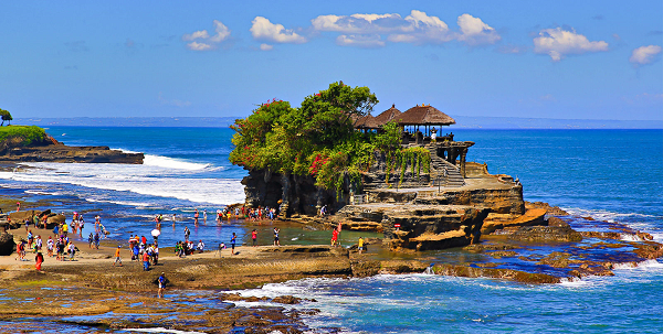 Tanah Lot Temple – Attractiveness And The Best Time To Visit