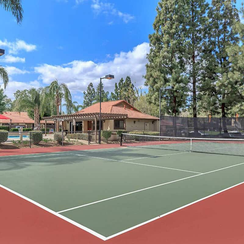 Tennis court at the 3900 apartments